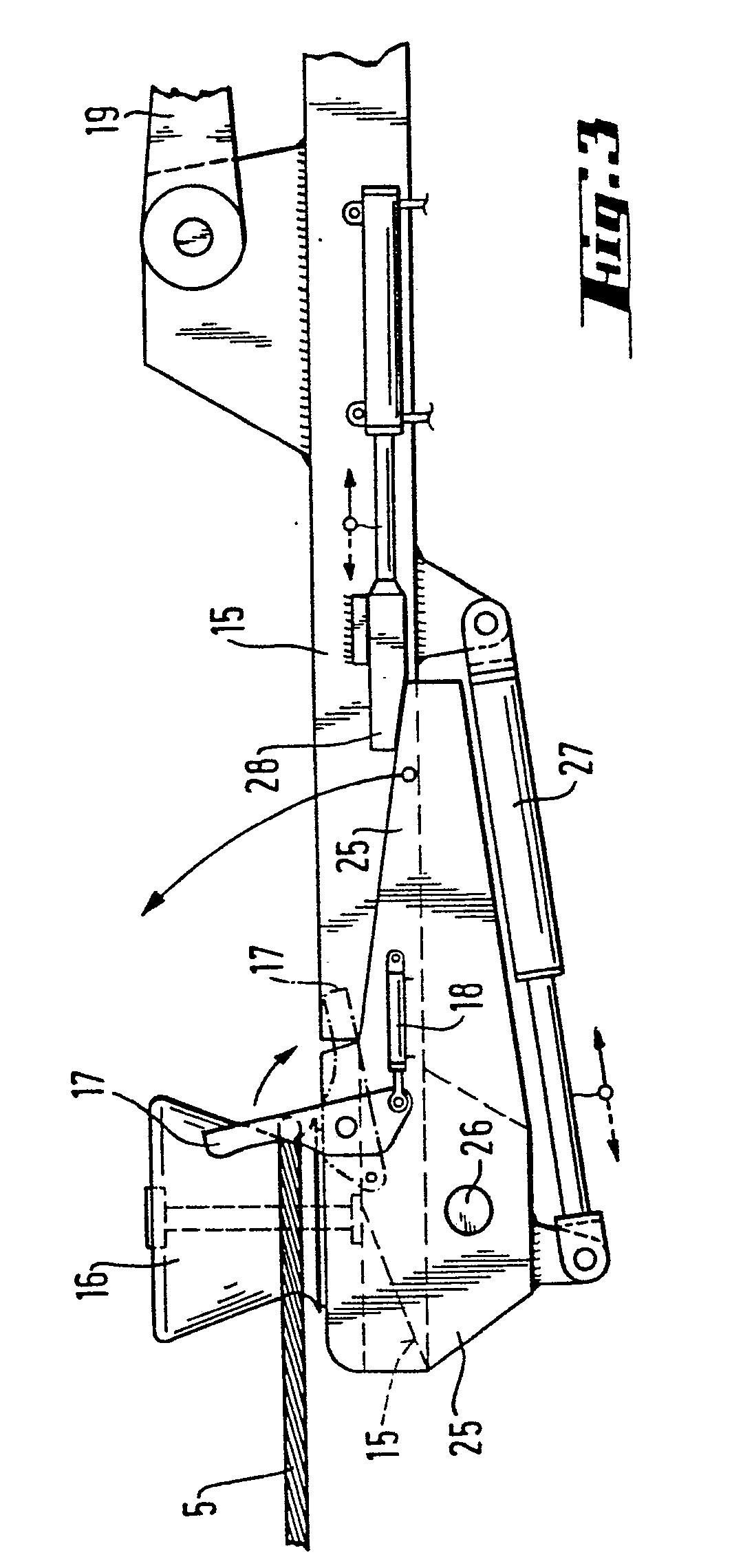 patent ep0046547b1 proc d et dispositif pour amarrer un navire une construction google. Black Bedroom Furniture Sets. Home Design Ideas