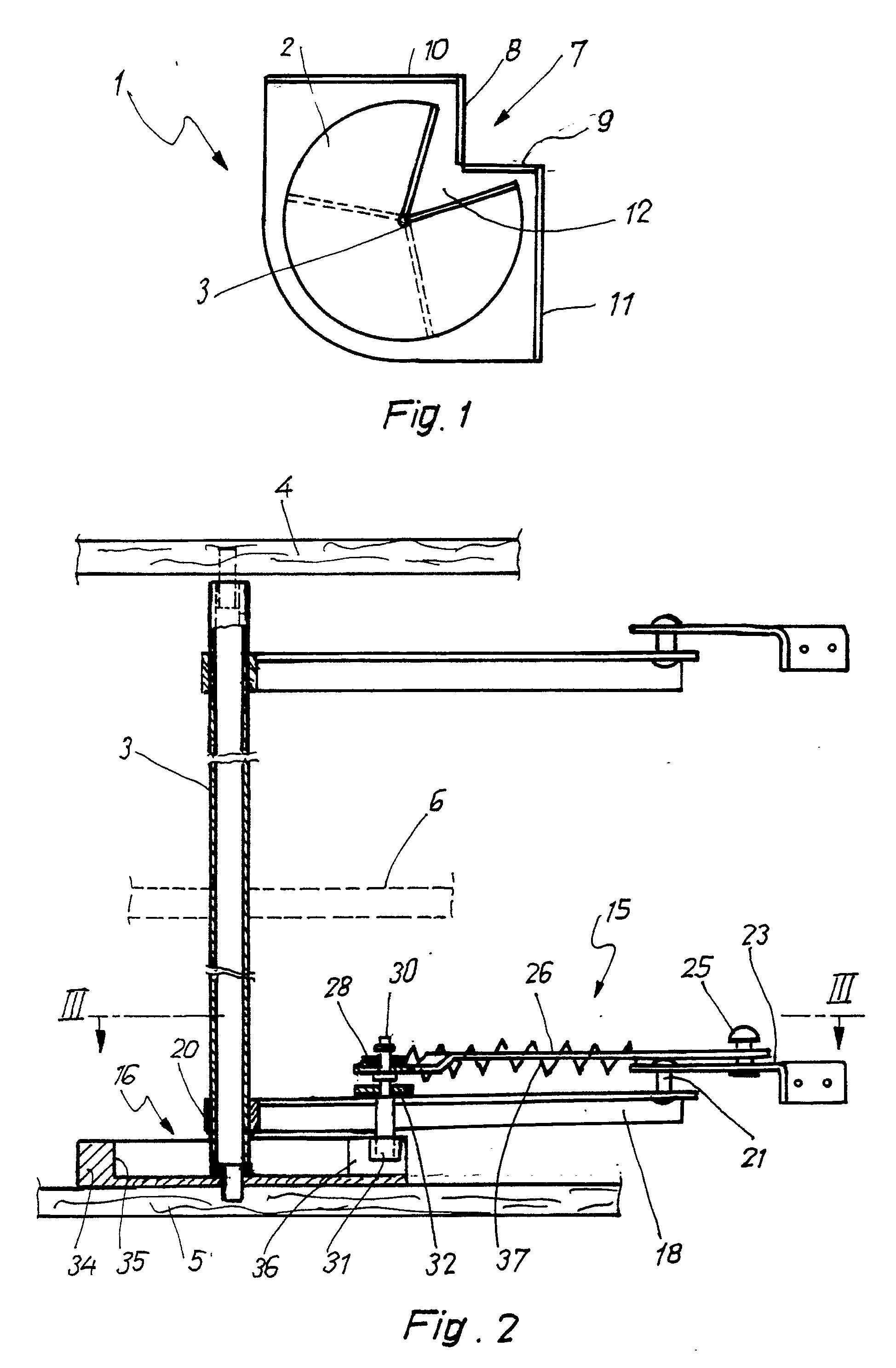 Patente EP0317737B1 - Beschlag für einen Eckschrank, insbesondere ... | {Kücheneckschrank 1}