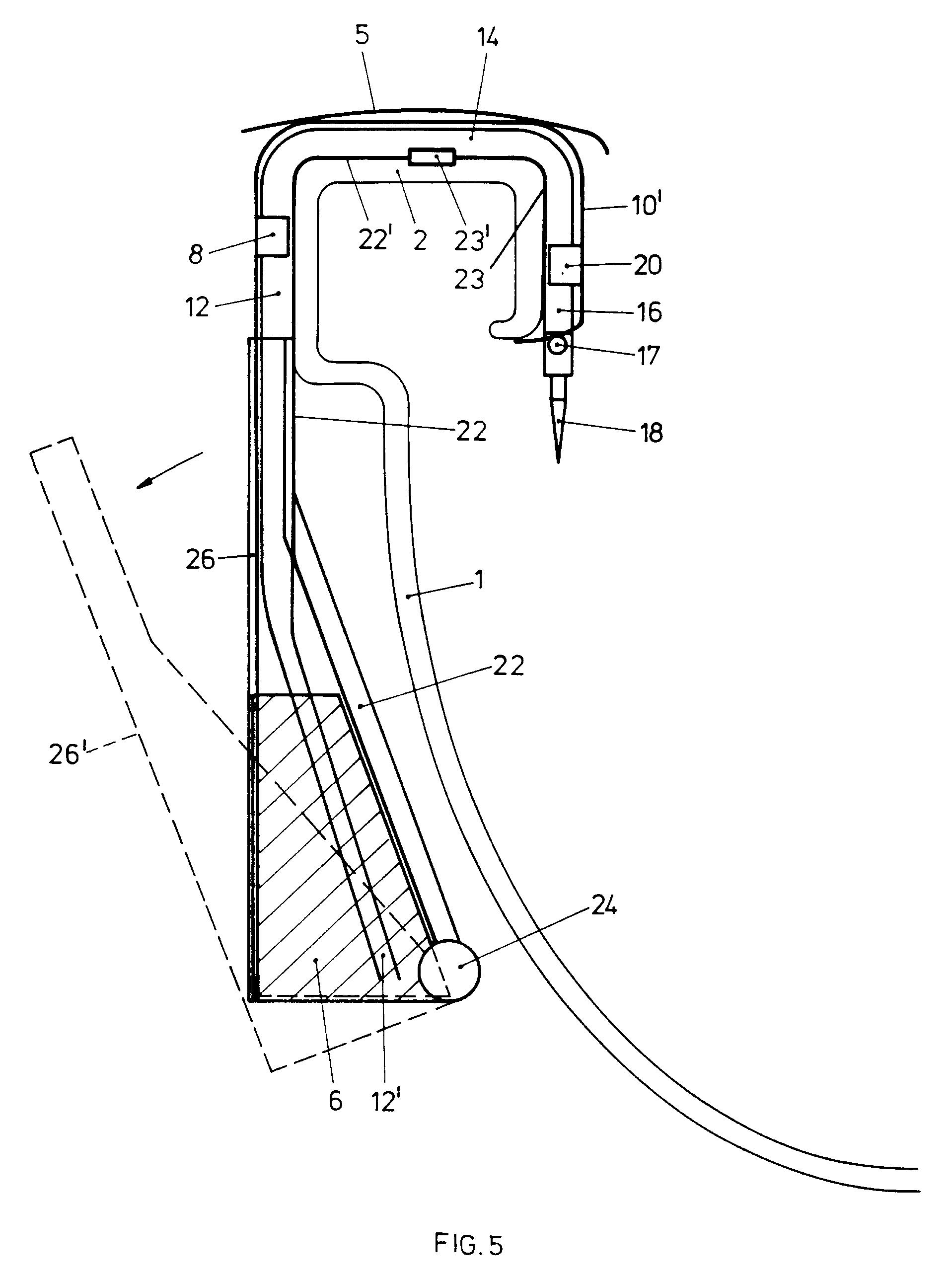 patent ep0596952b1 vorrichtung f r das ausgeben eines desinfektions oder reinigungsmittels bzw. Black Bedroom Furniture Sets. Home Design Ideas