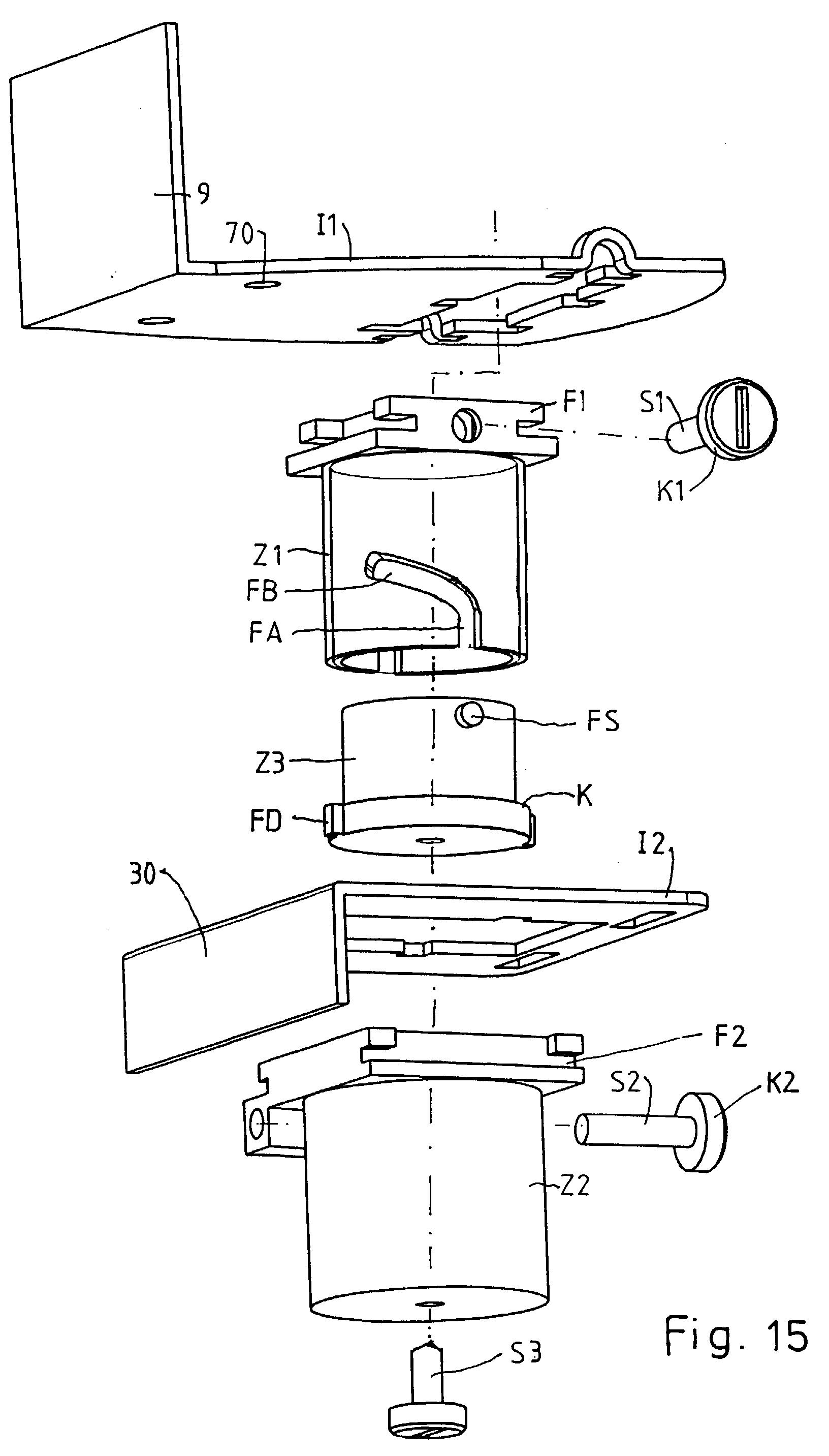 patent ep1050245a2 eckschrank mit einem beschlag f r ein fachbodenkarussell google patents. Black Bedroom Furniture Sets. Home Design Ideas