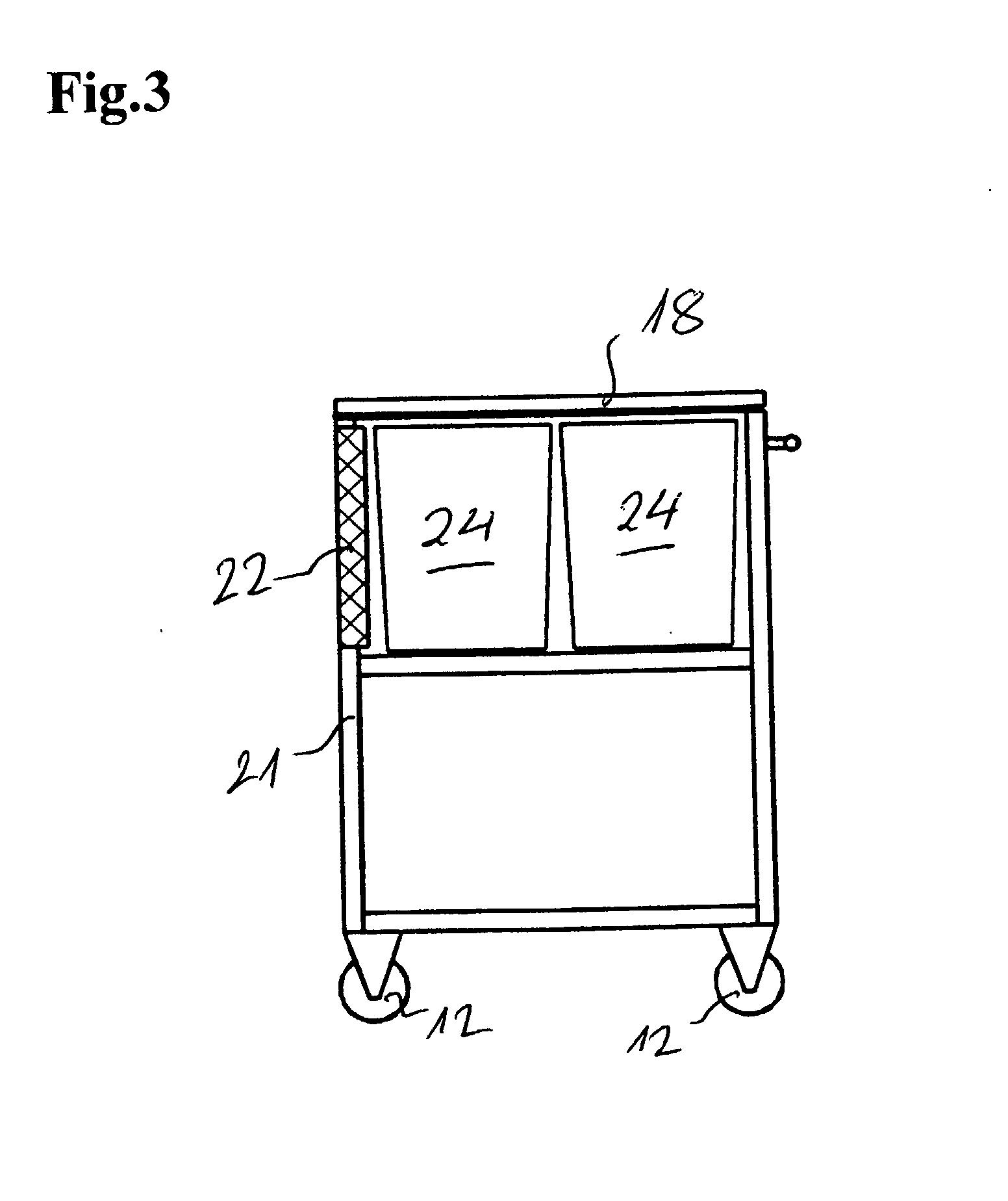patente ep1260153a2 - fahrbarer küchenwagen - google patentes - Küchenwagen Mit Mülleimer