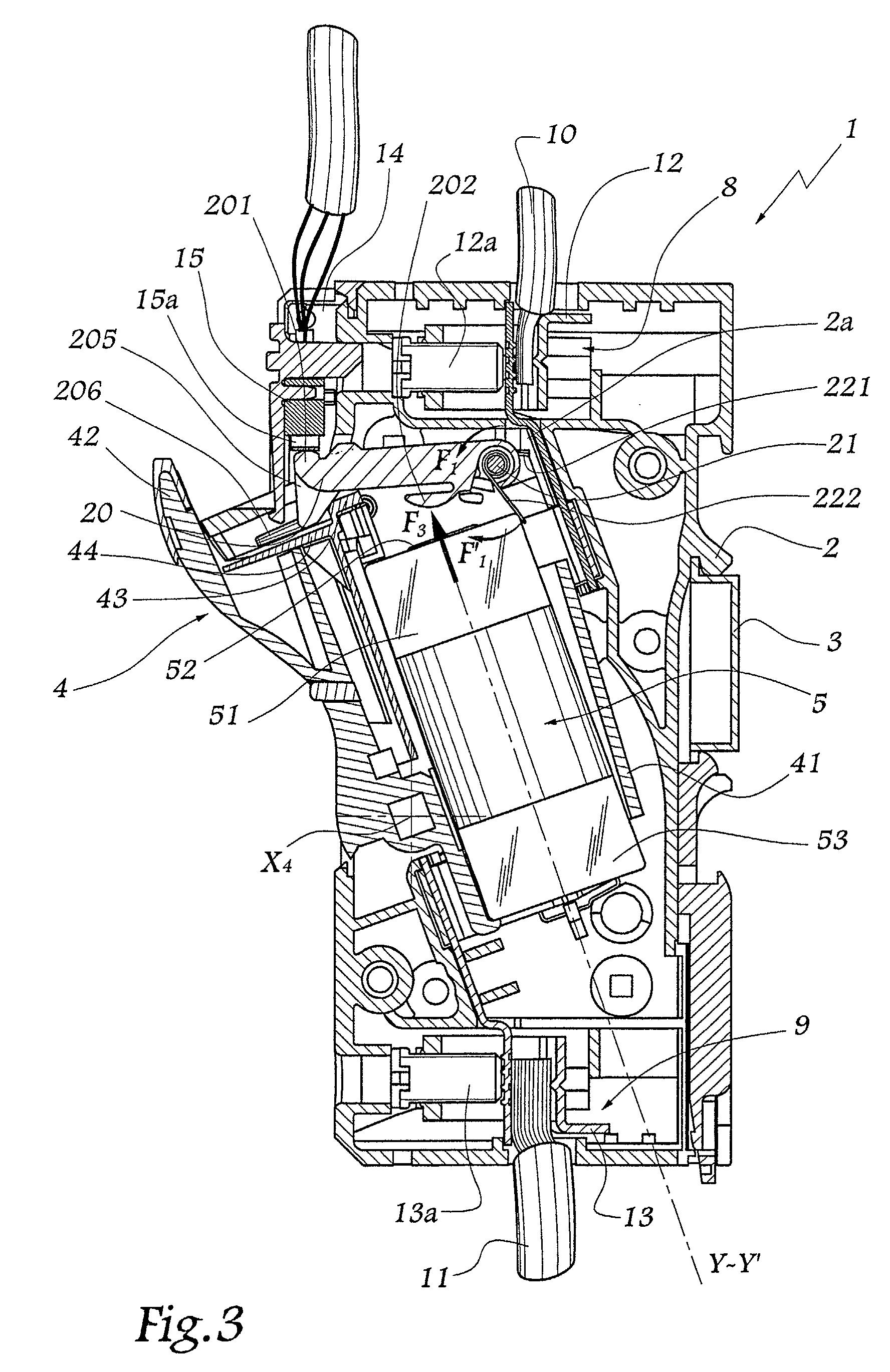 Patente ep1296342a1 sectionneur fusible comprenant un - Sectionneur porte fusible telemecanique ...