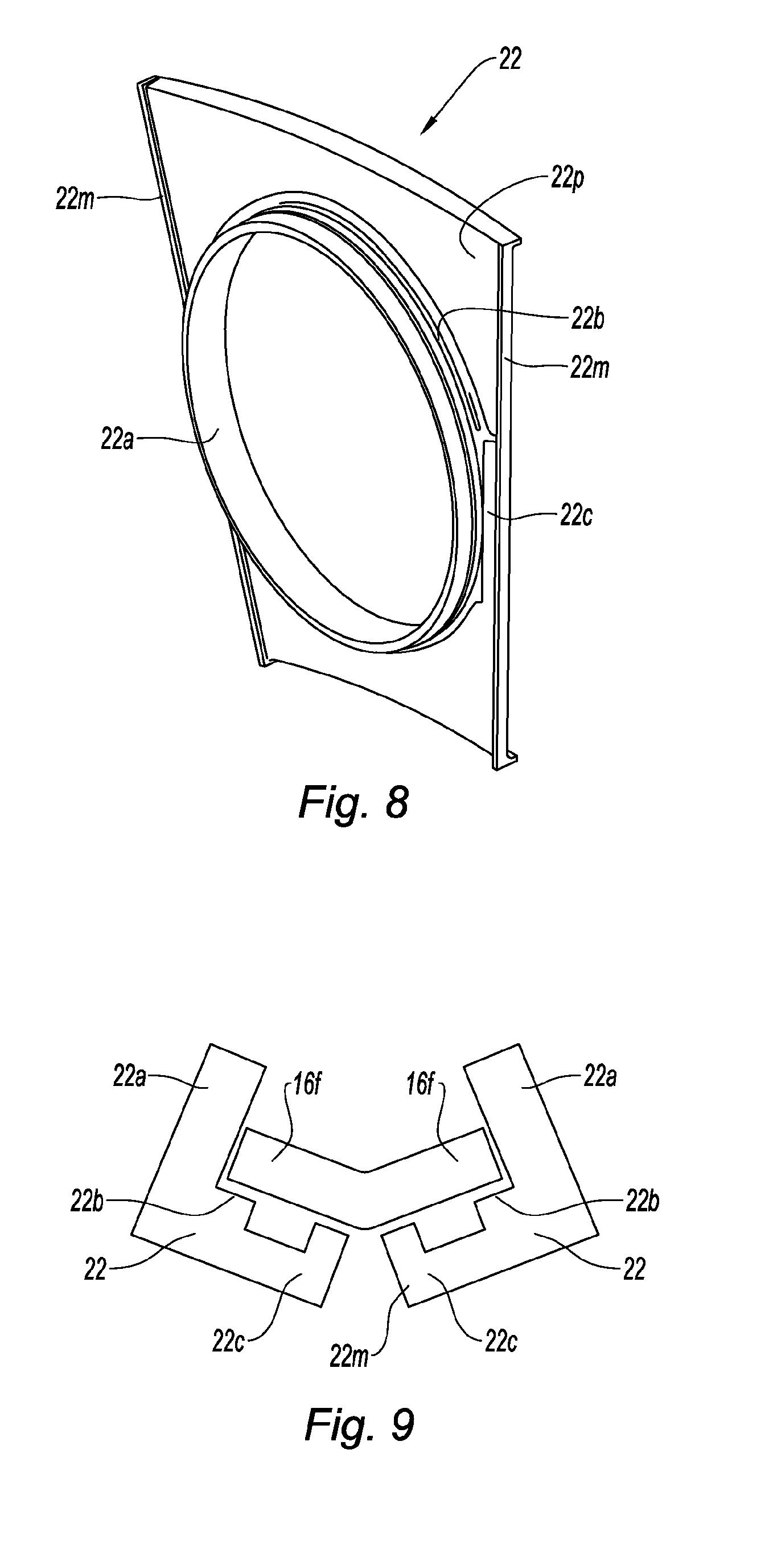 Patent ep2040001a2 chambre de combustion annulaire de for Chambre de combustion annulaire