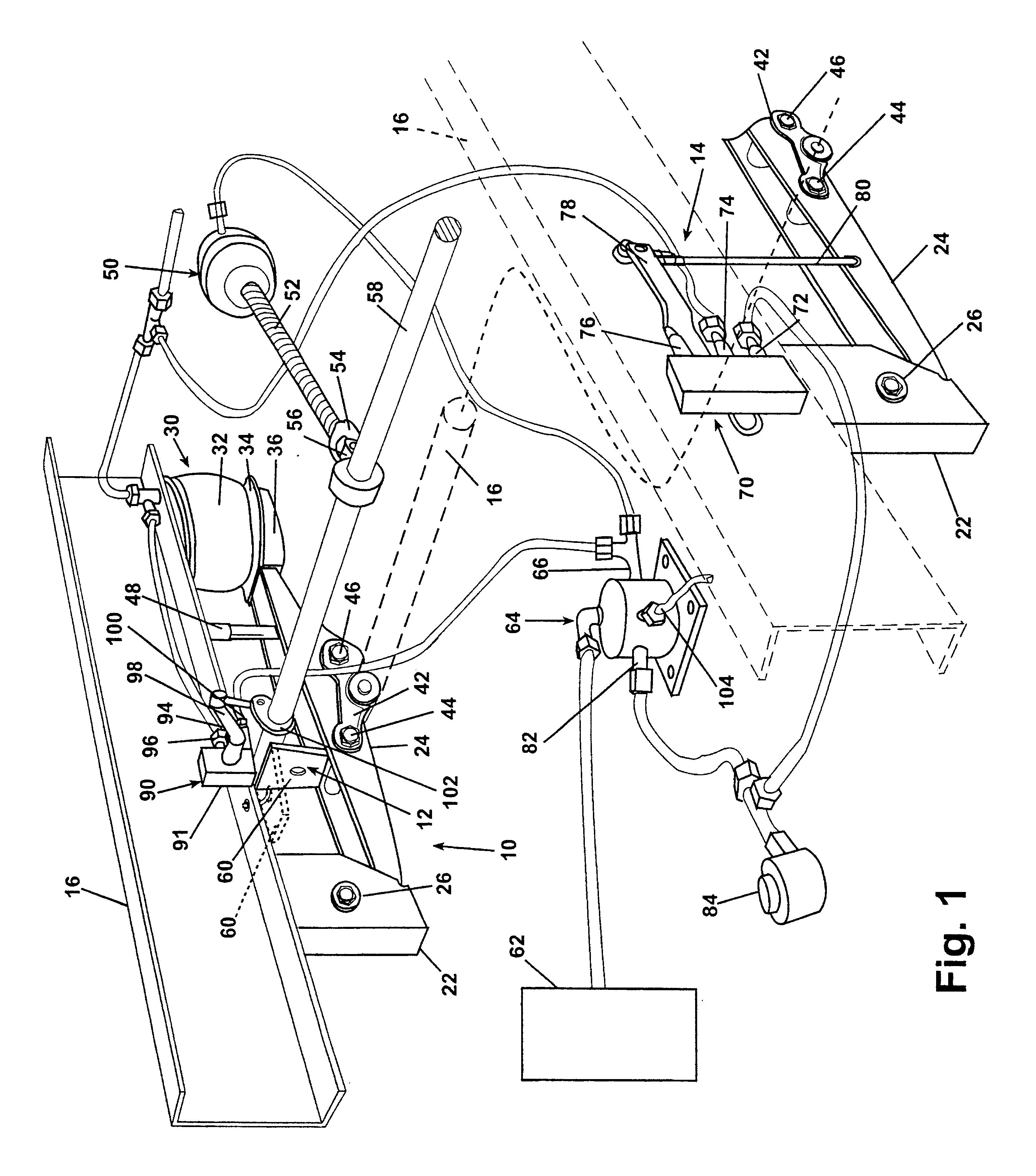 patent us6679509 - trailing arm suspension with anti-creep automatic reset