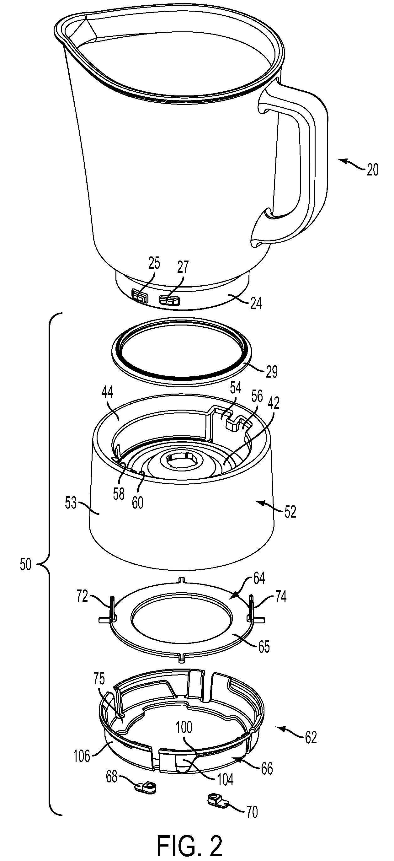 patente us8360480 - blender jar interlock