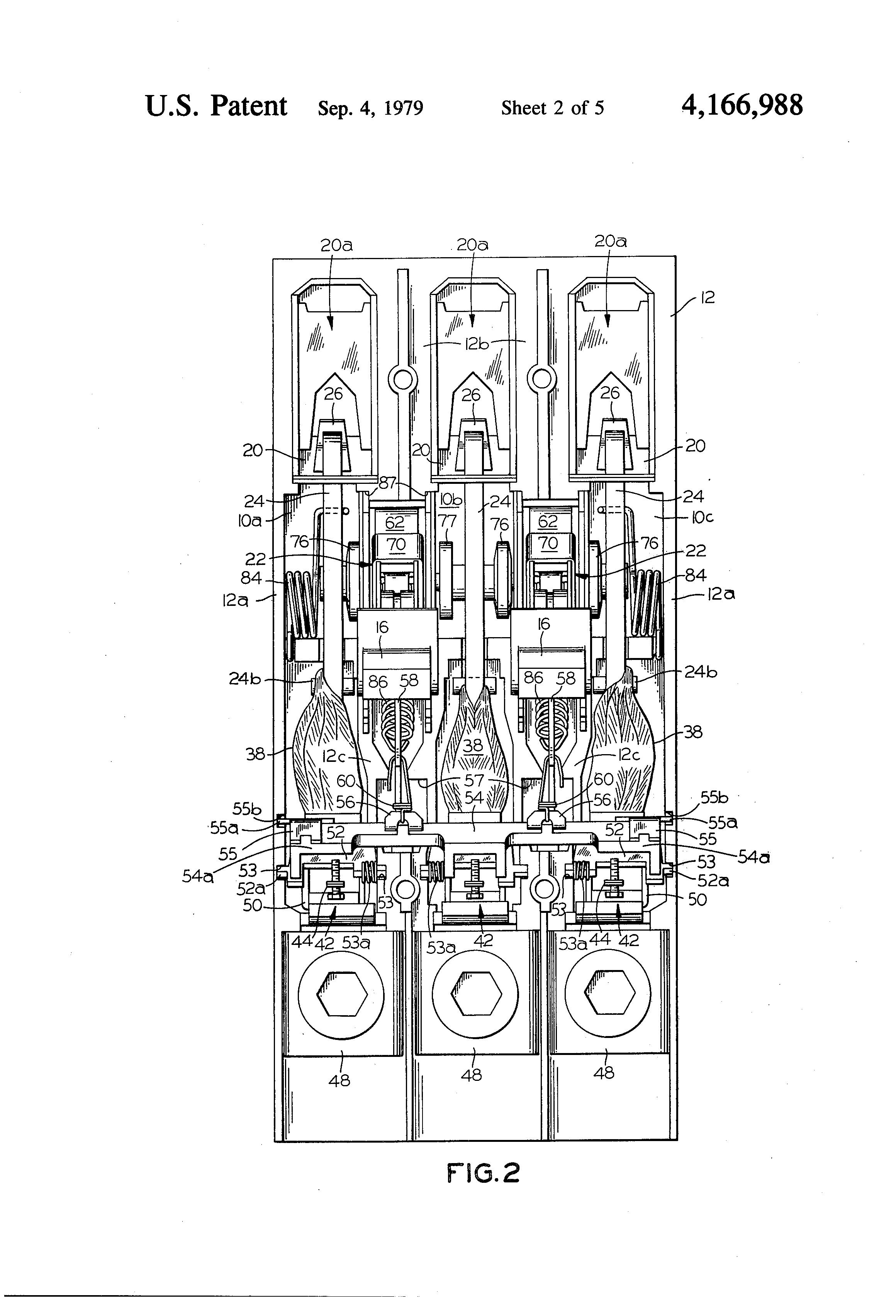 patent us4166988 - compact three-pole circuit breaker