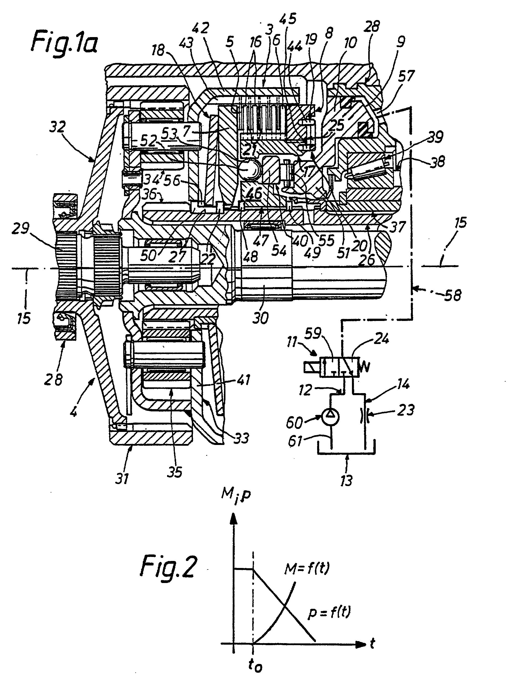 patent ep0230561b1 dispositif pour commuter un embrayage multidisque afin de bloquer un. Black Bedroom Furniture Sets. Home Design Ideas