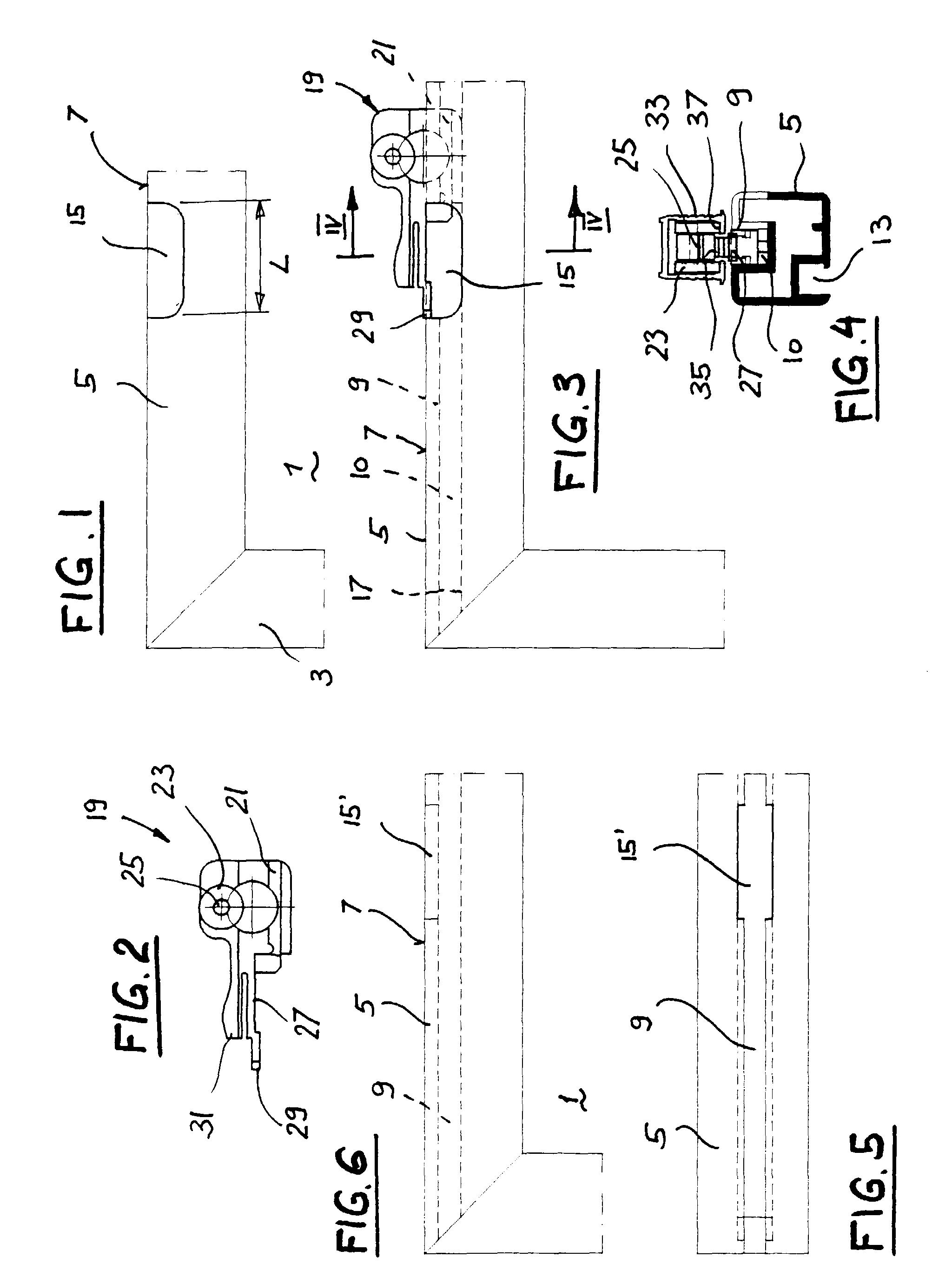 patent ep0982457a2 laufwerks anordnung f r eine schiebet r google patents. Black Bedroom Furniture Sets. Home Design Ideas
