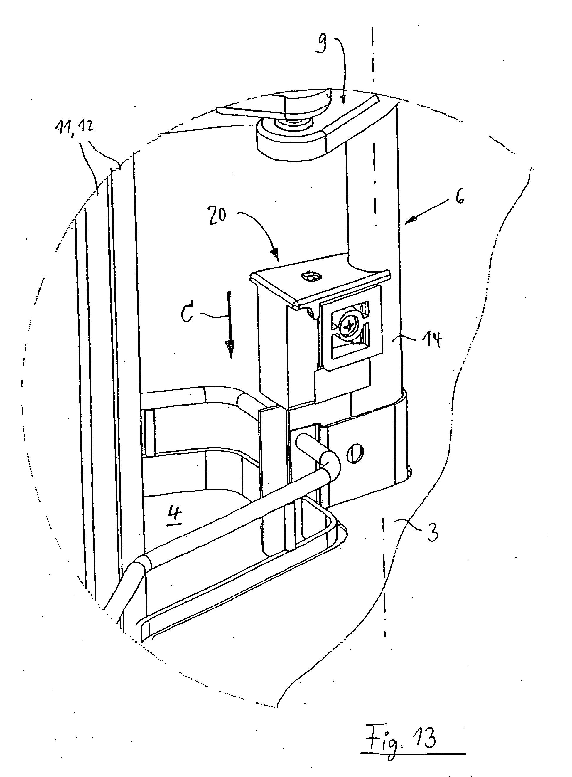 Patent EP1597985B1 - Eckschrank, insbesondere Kücheneckschrank ... | {Kücheneckschrank 13}