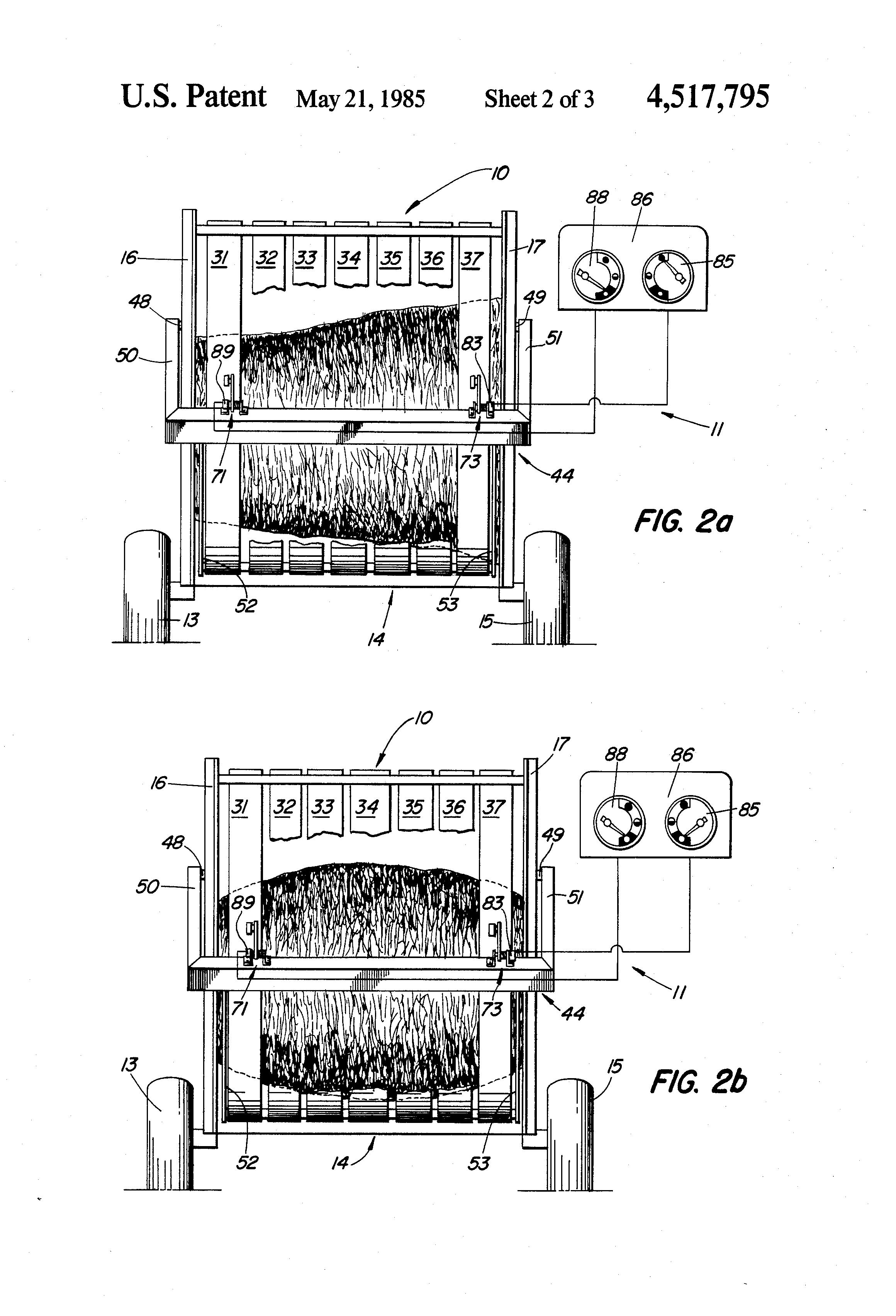 Brevet US4517795 - Bale-shape gauge for baler for forming