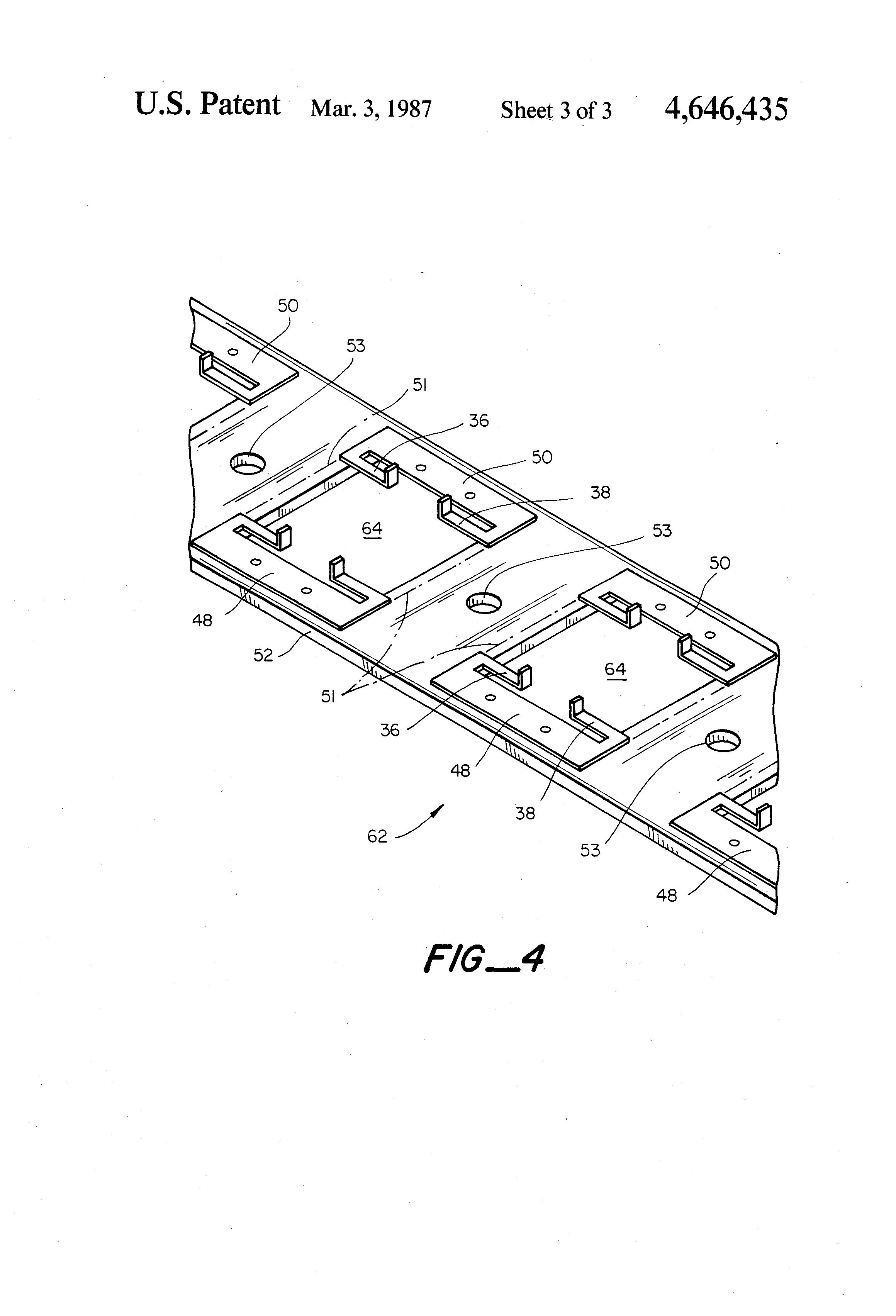 patent us4646435